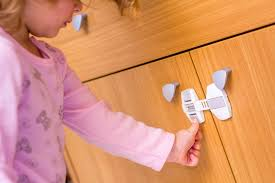 Review top 10 best <b>child safety locks</b> for doors