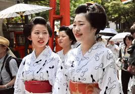maiko and geisha with no makeup sendo mairi
