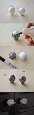 DIY :: use a sharpie to draw little circles on plain white ceramic knobs for