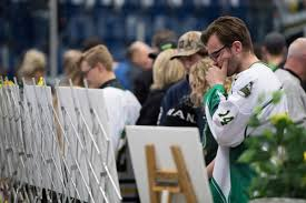 Photos: Canada mourns after bus crash kills 15 | International | tdn.com