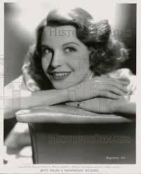 VINTAGE PRESS PHOTO : Betty White , Closeup Head Shot, 8x10 Circa late  1960s - £5.76 | PicClick UK