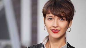 Charming short red hairstyles ideas Fashionfezt What To Know About Getting Pixie Haircut What To Know About Getting Pixie Haircut Loréal Paris