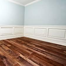 Möchten sie ihr neues oder modernes zuhause oder zimmer einrichten und keinen. Holz Bodenbelag Classic 18 X 93 Mm Lackiert Massivem Akazienholz Asiatisches Walnussholz Echtholzboden Amazon De Kuche Haushalt