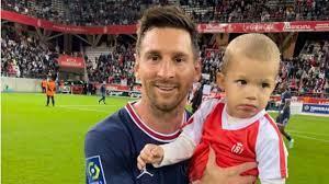Lionel Messi nach PSG-Debüt: Die Geschichte hinter diesem Foto - Fussball -  Bild.de