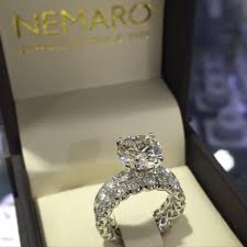 Scalloped Diamond Engagement Ring With Matching Band And 3ct