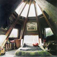 Amazing Attic Bedrooms That You Would Absolutely Enjoy Sleeping In - Attic bedroom
