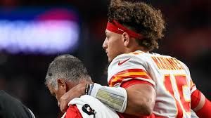 How long is Patrick Mahomes out? Injury ...
