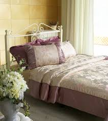 Top 10 Romantic Bedroom Ideas For Married Couples - Soupoffun.com
