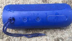 jbl harman flip 4. if that wasn\u0027t enough, the flip 4 also has speakerphone capabilities. when i tested this, its audio quality was solid although on occasion did hear a jbl harman