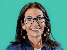 9 life lessons i learned from 30 minutes with bobbi brown