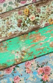 Beplak Houten Planken Met Behang En Schuur Daarna Zachtjes Af Met