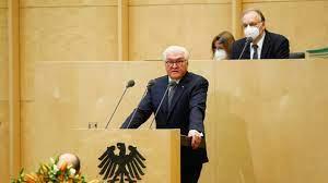 Am freitag kommt die länderkammer zum tausendsten mal zusammen seit 1949. Bundesrat Jubilaum Steinmeier Fordert Einigkeit Von Bund Und Landern Politik Sz De