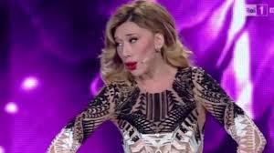 Virginia Raffaele è Belen Rodriguez a Sanremo 2016 - YouTube