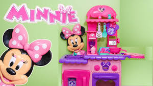 minnie mouse flipping kitchen a