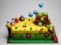 angry birds bday cakes chelsea 002