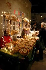 7 Inspiring Christmas Craft Fair Booths  Creative IncomeChristmas Craft Show Booth Ideas