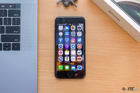 Обзор <b>смартфона Apple iPhone SE</b> (2020) - ITC.ua