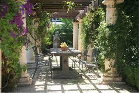 garden pillars. Garden Ideas, Landscaping Arbor, Pergola, Tuscan Mediterranean Patio, Pillars
