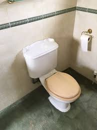 3 toilets in good condition and in full working order complete with seats covers