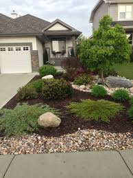Front side yard Curb Appeal - Same kinda layout as my yard-minus the  coolness factor. Would look great for some patio homes! Mulch Landscaping  ...