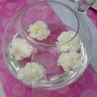 Idées de décoration de table pour un baptême de petite fille