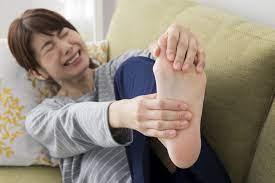 歩く と 足 が 痒い