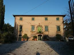 Mura Storiche Lucca Italy Seating Chart Villa Lucca Cycling Holidays More Bed Breakfast Cappella