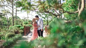 romantic outdoor engagement photography at morikami museum and japanese gardens by domino arts photography