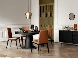 the granada extendable dining table