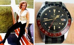 James Bond, les montres Images?q=tbn:ANd9GcRnsNkdlv6w05_05Is-GQUSxHoKUiB7u-OjcHT7aIJK-1fBa7BGwQ