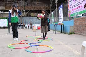 Los juegos recreativos se realizan en espacios abiertos y el principal fin es la interrelación entre los participantes. Convierten Abandonado Coliseo Municipal De Huancayo En Centro De Juegos Para Ninos Fotos Edicion Correo