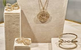with high jewelry the house has further enriched its successful collections david yurman paris couture 2