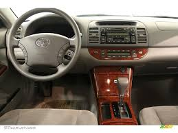 2005 Toyota Camry XLE Gray Dashboard Photo #62520733 | GTCarLot.com