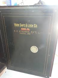 york safe. it may have an unusual combination sequence. i picked up the old safe below a few months ago. has four number sequence r-l-r-l then r back to 10. york