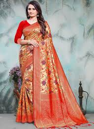 Pin by Guadalupe Sargent on Women Fashion in 2020   Fancy sarees ...
