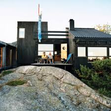 MerryGoRound Simple But Clever Modern Vacation HouseVacation Home Designs