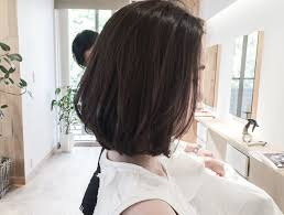 髪型を短くしたいでも勇気が出ない方へ後ろ姿や首が綺麗に見えるボブ