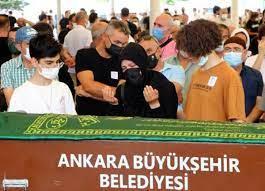 Onur Alp Eker'in cenazesinde gözyaşları sel oldu! Son yolculuğuna  uğurlandı...