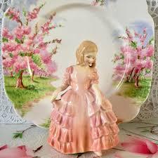 Винтаж: <b>Статуэтка Девочка в розовом</b> Royal Doulton – купить на ...