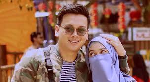 Meski bukan artis terkenal, nama pasangan muda natta reza dan wardah maulina berhasil mencuri perhatian netizen. Selebgram Dorong Remaja Menikah Muda