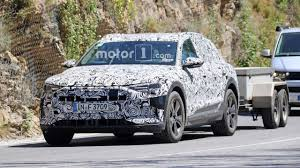 2018 audi e tron. interesting 2018 photo 2018 audi etron quattro towing a trailer and audi e tron