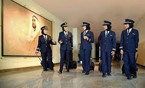 Video: <b>Female</b> Emirates pilots <b>fly high</b> for Emirati <b>Women's</b> Day ...