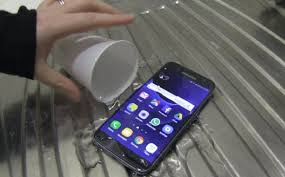 samsung galaxy phone s7. this feature could be a lifesaver for the more clumsy among us - who may have spent than one afternoon with our phone in bowl of rice, trying to dry samsung galaxy s7