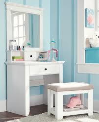 ... White Vanity Table Will Look Beautiful And Luxurious Beauty Home Image  Of White Uk Set Large ...