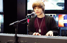 Small Picture Puzzles Onlinees Juegos Justin Bieber tocando el piano