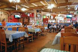 Swadley's Smoke House: Swadley's decor can be described as