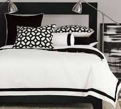 black and white bed sets