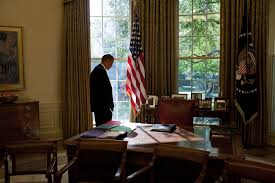 obama oval office desk. File:Barack Obama In The Oval Office 2009-10.jpg Desk O