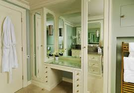 Bathroom dressing corner