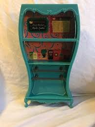 My scene is an american line of beautiful, fashionable dolls created by mattel in 2002. Dolls Bears Structures Furniture Barbie Doll My Scene Cafe Playset Coffee Shop Teal Cupboard Hutch Furniture Persianasciudadalta Es